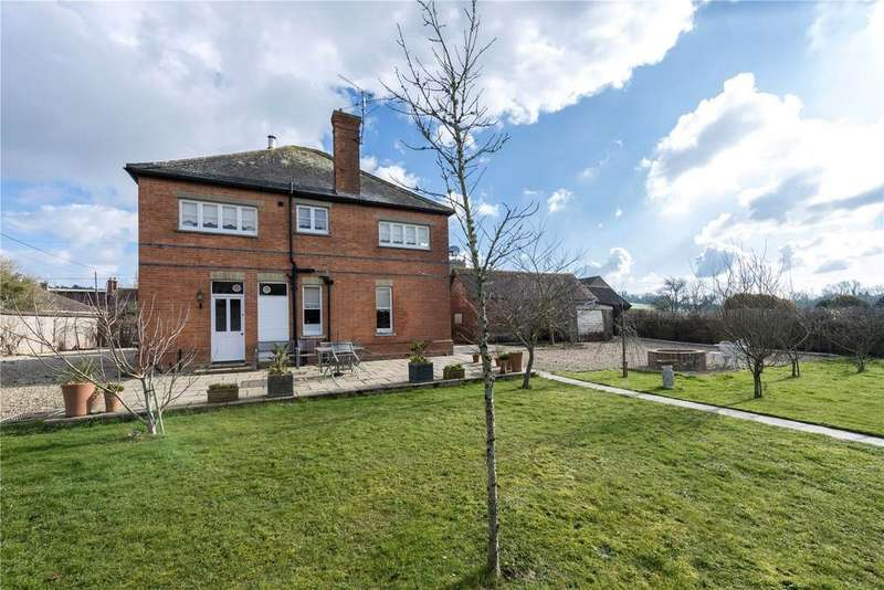 4 Bedrooms Detached House for sale in Manor Road, Stourpaine, Blandford Forum, Dorset