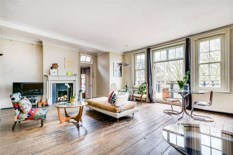 4 Bedrooms Flat for sale in Mere Close, London
