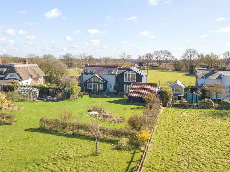 4 Bedrooms Detached House for sale in Beazley End, Essex, CM7