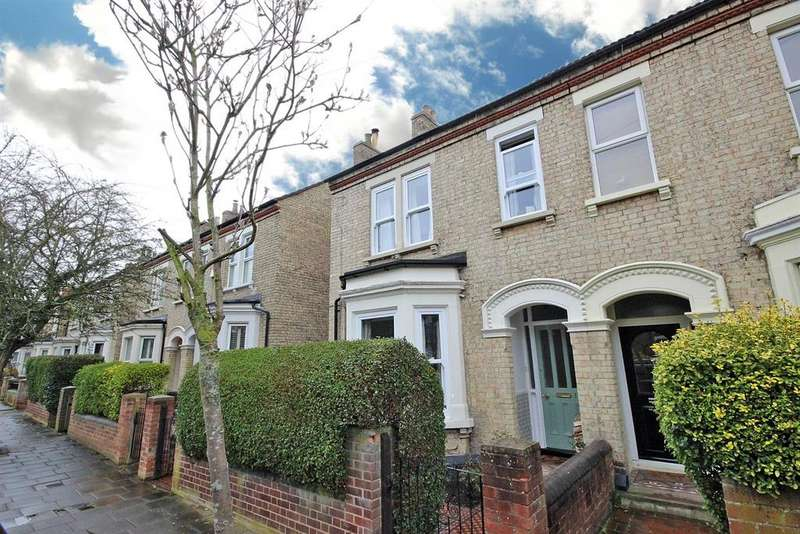 4 Bedrooms Semi Detached House for sale in Goldington Avenue, Bedford