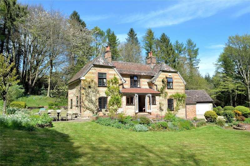 4 Bedrooms Detached House for sale in Fontmell Hill, Nr Ashmore, Dorset, DT11