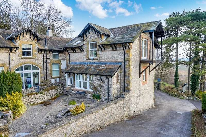 3 Bedrooms Detached House for sale in The Coach House, 45 Kentsford Road, Grange over Sands, Cumbria, LA11 7BB