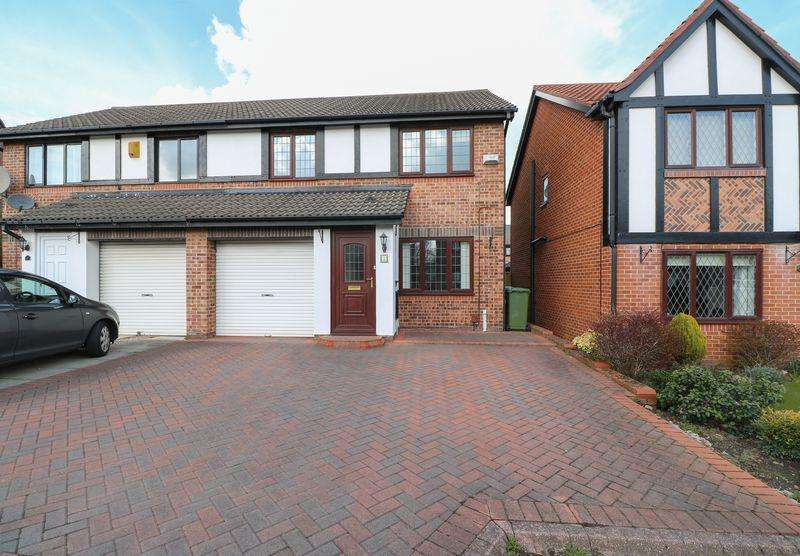 3 Bedrooms Semi Detached House for sale in Hexham Court, Lobley Hill