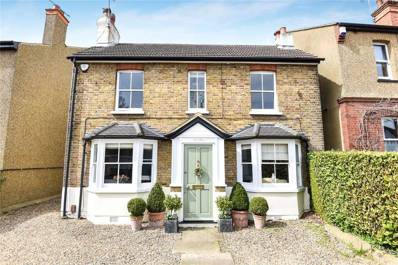 3 Bedrooms House for sale in Church Road, Northwood, Middlesex, HA6