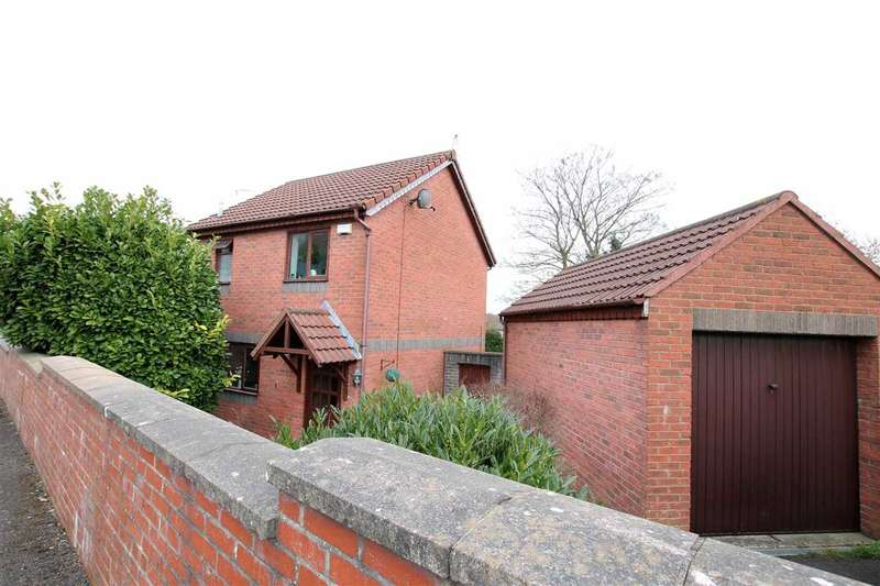 2 Bedrooms End Of Terrace House for sale in Church Road, Kingswood, Bristol