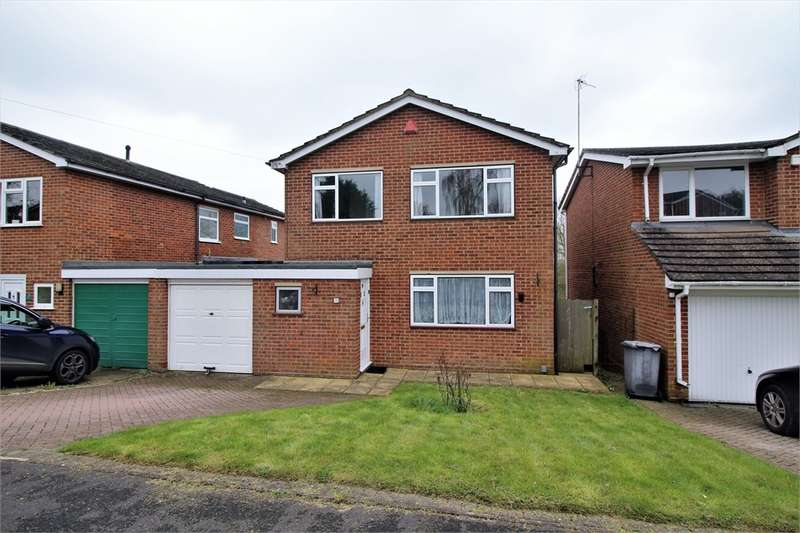 3 Bedrooms Detached House for sale in Tallis Lane, READING, Berkshire