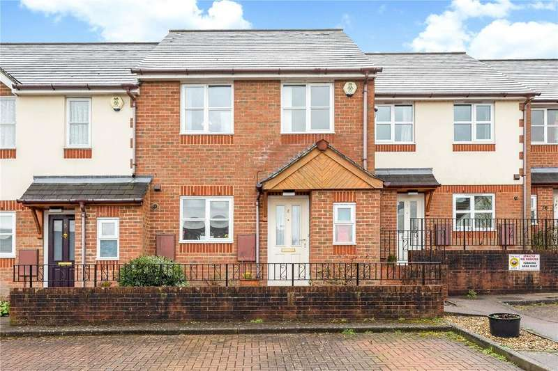 3 Bedrooms Terraced House for sale in Egglesfield Close, Northchurch, Berkhamsted, Hertfordshire, HP4