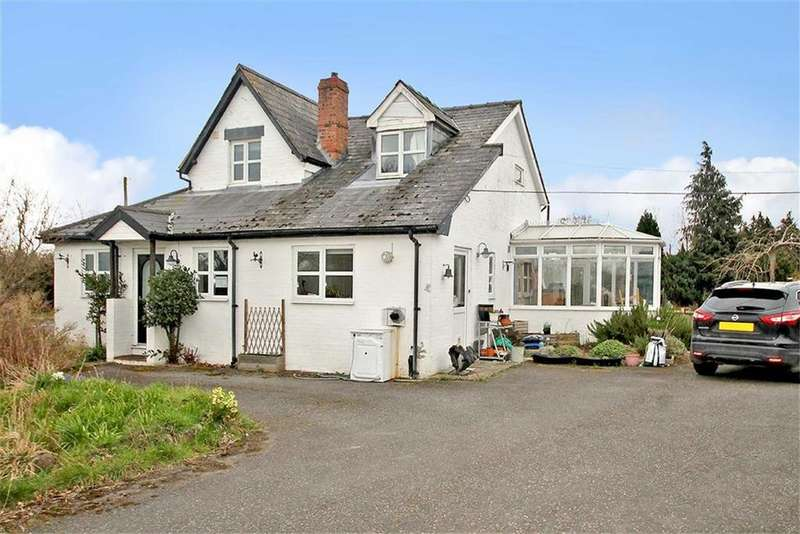 4 Bedrooms Detached House for sale in Babbinswood
