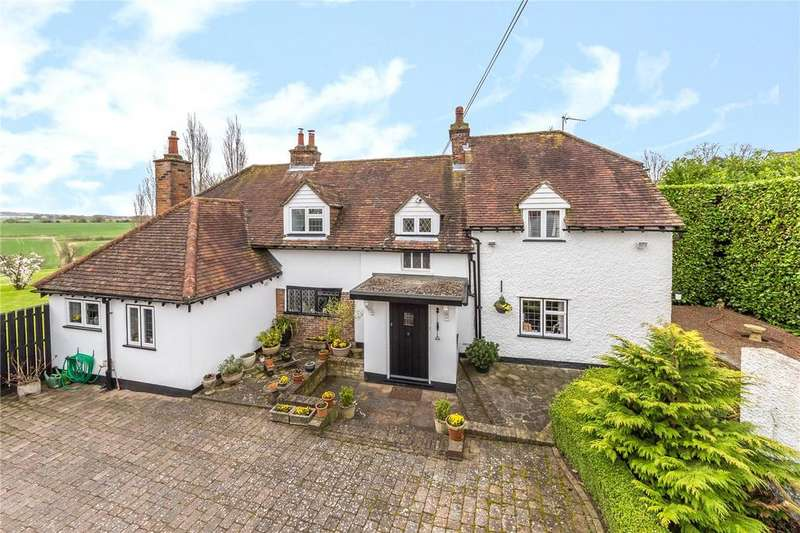 4 Bedrooms Detached House for sale in Common Road, Kensworth, Dunstable, Bedfordshire, LU6