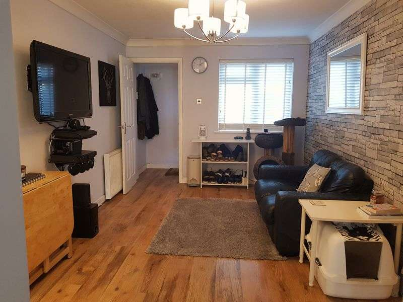 1 Bedroom Property for sale in Morval Close, Farnborough