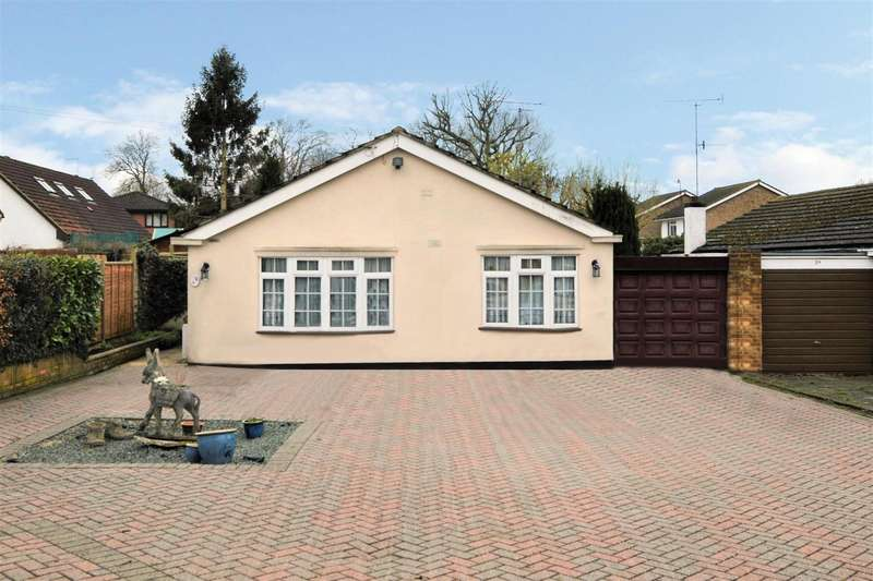 3 Bedrooms Property for sale in The Meads, St. Albans
