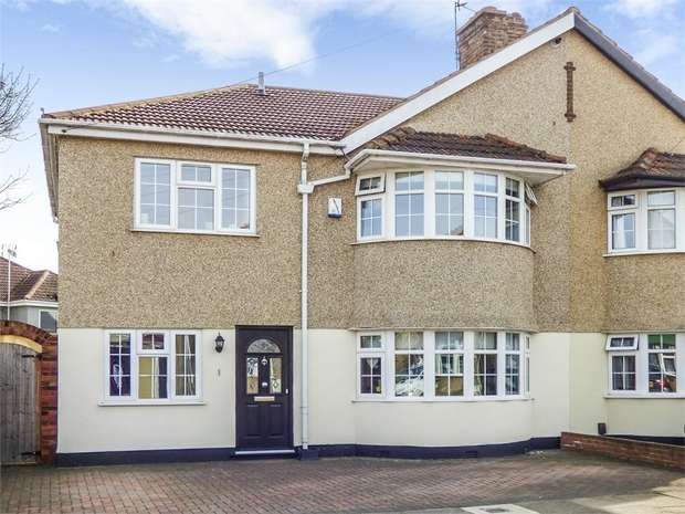 4 Bedrooms Semi Detached House for sale in Plymstock Road, Welling, Kent