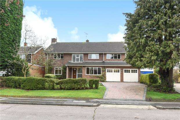 5 Bedrooms Detached House for sale in Sherring Close, Bracknell, Berkshire