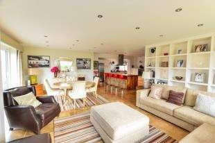 5 Bedrooms Bungalow for sale in Derville Road, Greatstone, New Romney, Kent