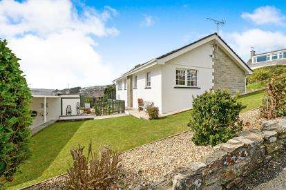 3 Bedrooms Bungalow for sale in Mellanvrane, Newquay, Cornwall