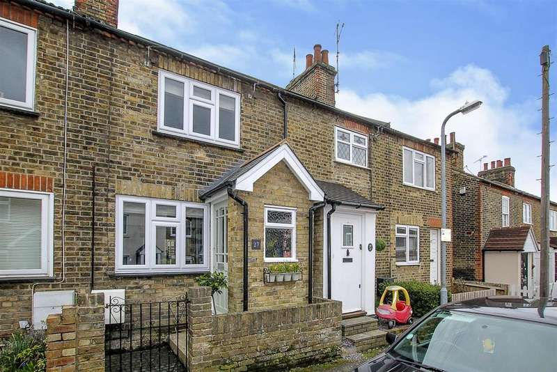 2 Bedrooms Cottage House for sale in Great Eastern Road, Warley, Brentwood