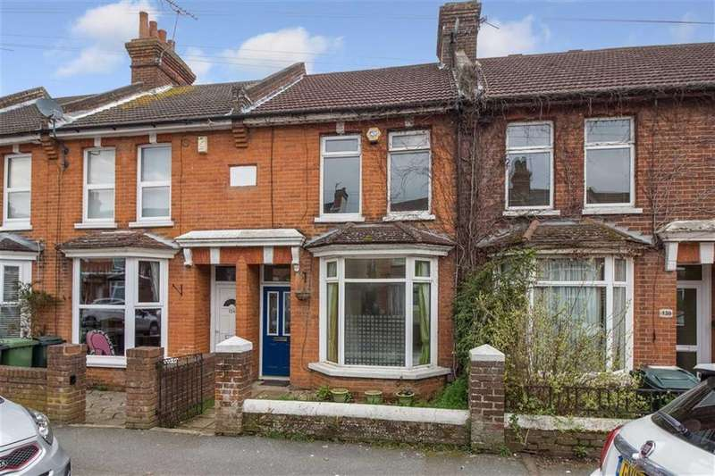 3 Bedrooms Terraced House for sale in Christchurch Road, Ashford, Kent