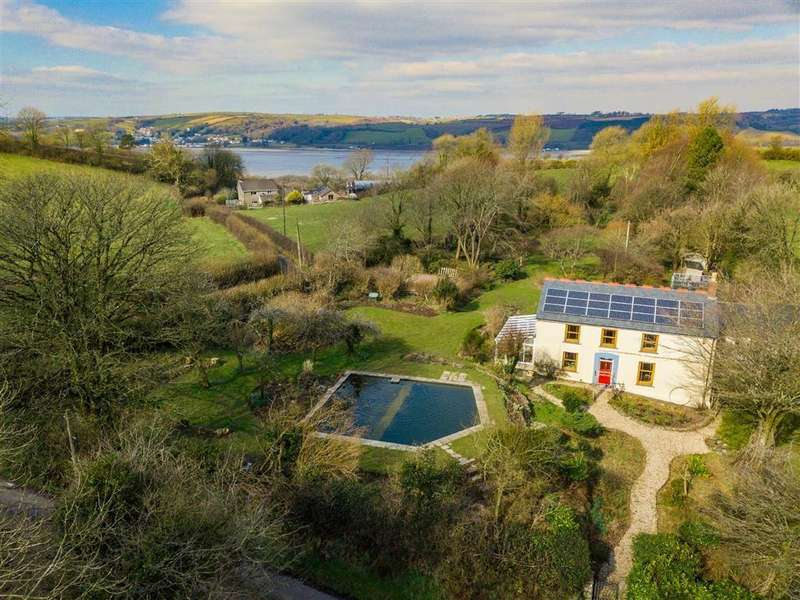 4 Bedrooms Cottage House for sale in Ferryside