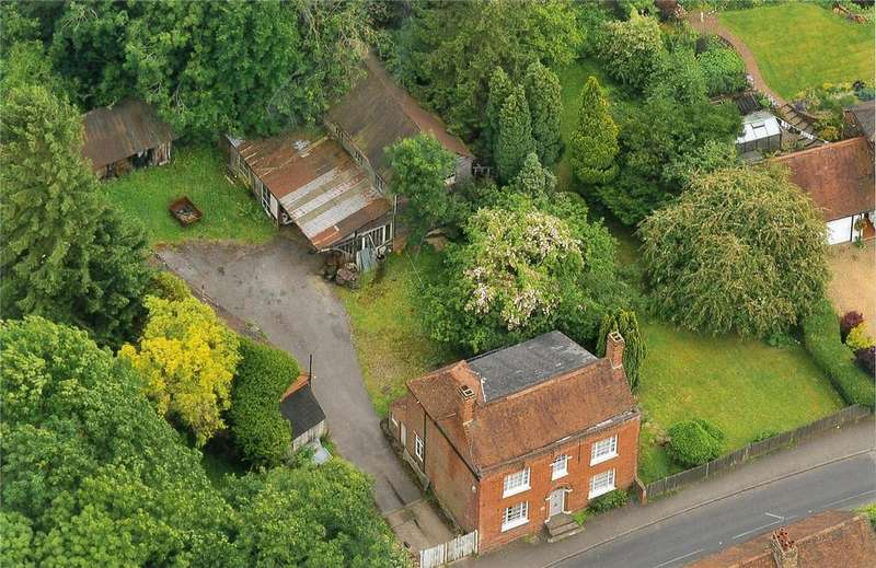 4 Bedrooms Detached House for sale in St Leonards Street, West Malling, Kent, ME19