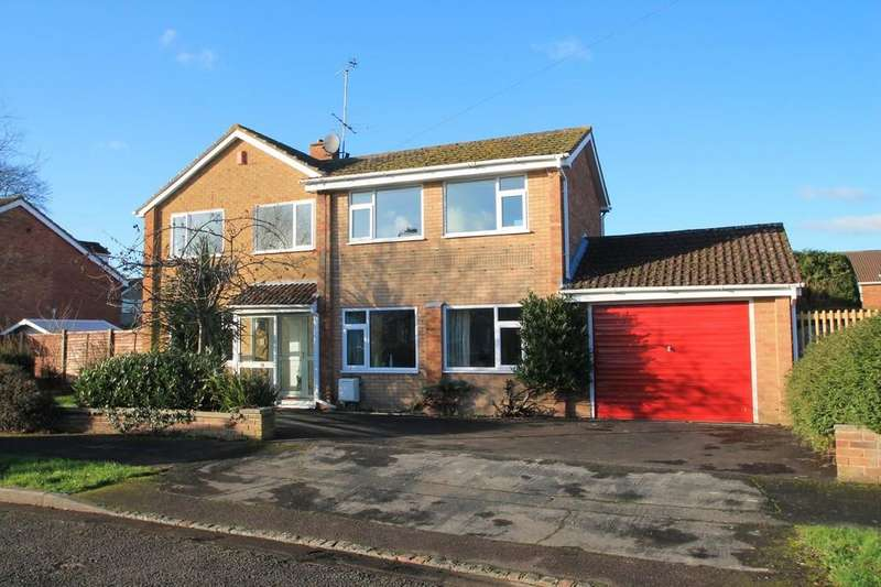 4 Bedrooms Detached House for sale in Edgecombe Road, Bedgrove, Aylesbury