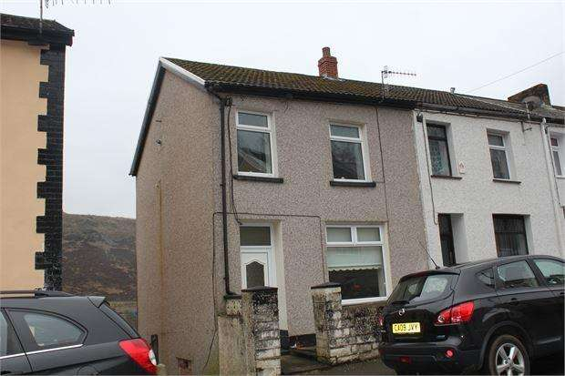 3 Bedrooms End Of Terrace House for sale in Woodland Road, Ferndale, CF43 3ND