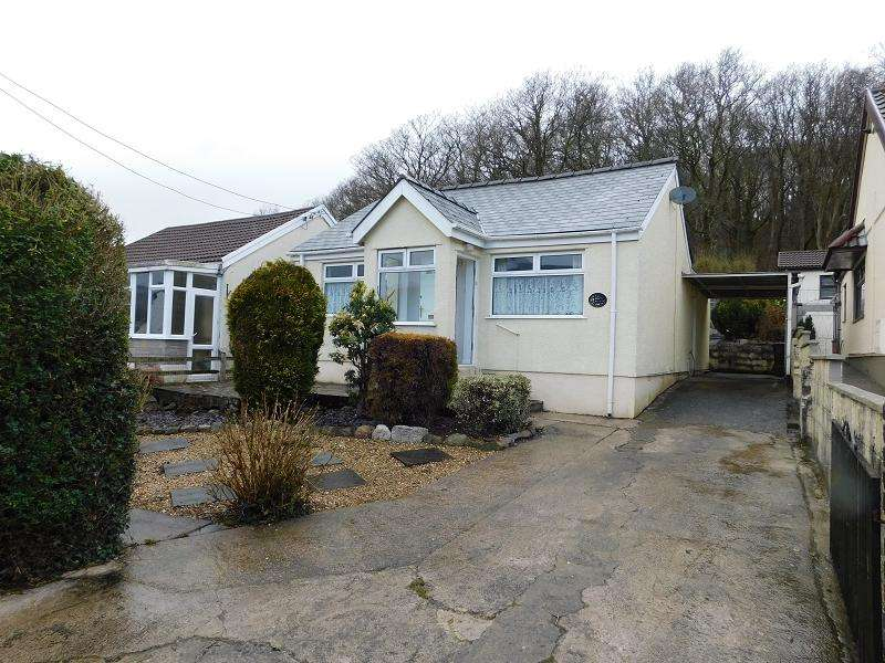 2 Bedrooms Bungalow for sale in Waungron , Glynneath, Neath, Neath Port Talbot.