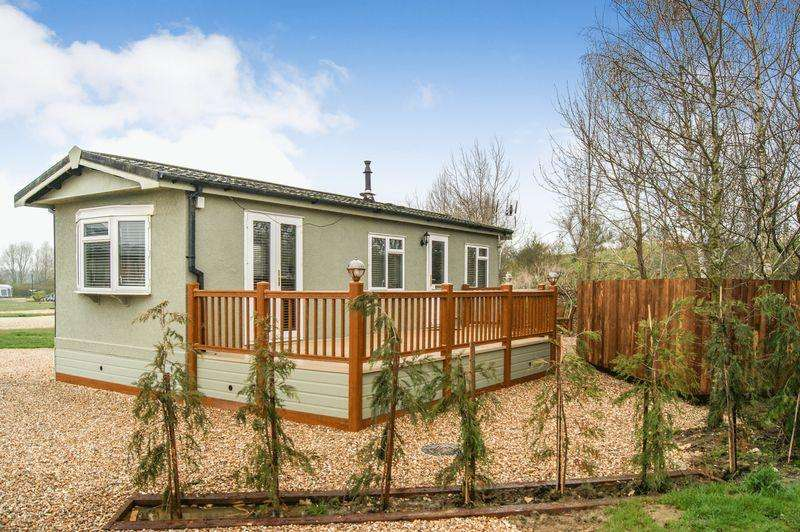 1 Bedroom Lodge Character Property for sale in Cliff Lane, Marston, Grantham, Lincs NG32 2HU