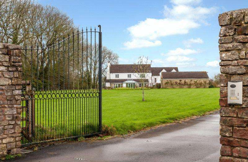 4 Bedrooms Detached House for rent in Dunkerton, Bath