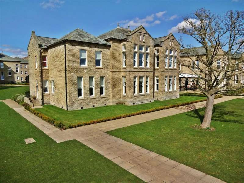 3 Bedrooms Duplex Flat for sale in Appleton Court, Norwood Drive, Menston,