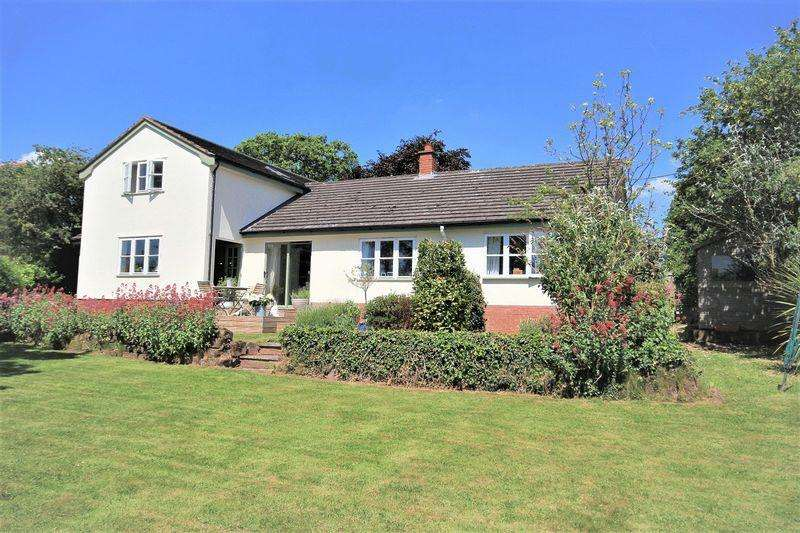 4 Bedrooms Detached House for sale in Cross O' th Hill, Malpas