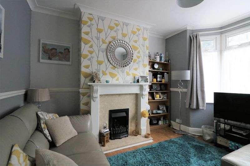 3 Bedrooms Property for sale in Grange Road, Colwyn Bay