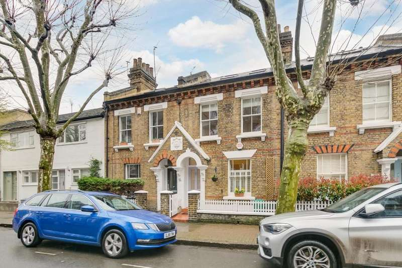 4 Bedrooms House for sale in Holden Street, London, SW11