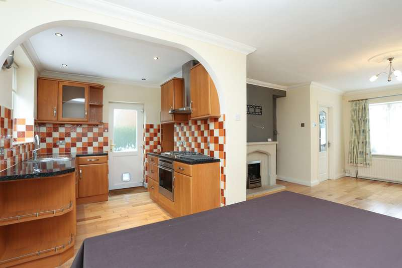 3 Bedrooms Semi Detached House for sale in Robert Avenue, Erdington B23