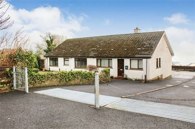 3 Bedrooms Detached Bungalow for sale in Largy Road, Carnlough, Ballymena, County Antrim