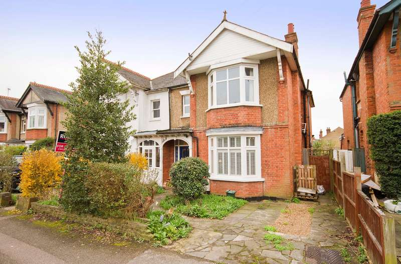 4 Bedrooms Semi Detached House for sale in Northwood