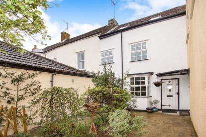 3 Bedrooms End Of Terrace House for sale in Salter Street, Berkeley, .