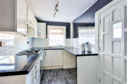 3 Bedrooms Terraced House for sale in Derby Street, Colne, Lancashire, ., BB8