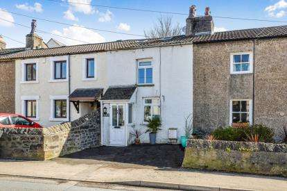 2 Bedrooms Terraced House for sale in North Road, Carnforth, LA5