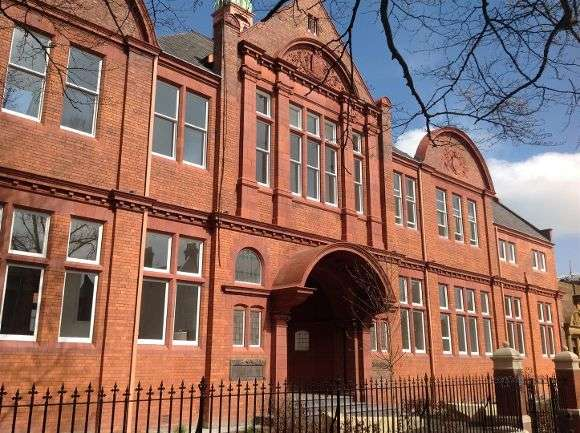 3 Bedrooms Flat for sale in The Old Library, Avenue Road, Leamington Spa