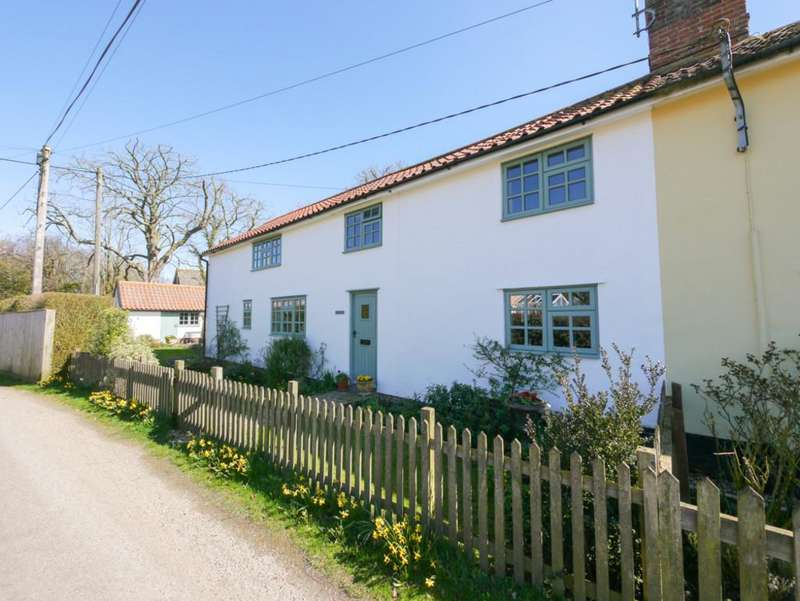 3 Bedrooms Semi Detached House for sale in Mill Road, Badingham, Suffolk