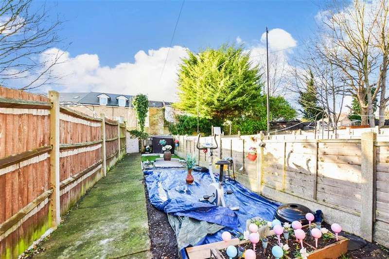 3 Bedrooms Terraced House for sale in Herbert Road, Chatham, Kent