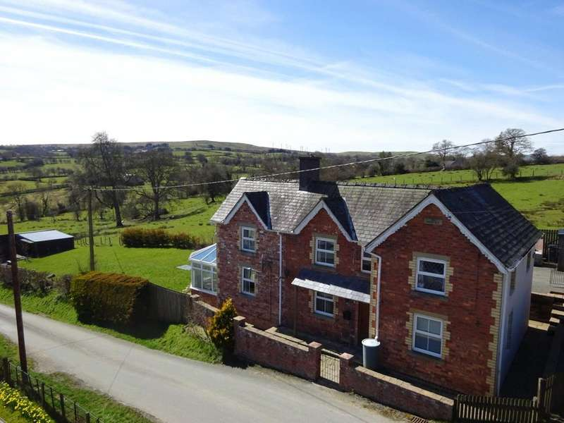4 Bedrooms Detached House for sale in Adfa, Newtown, Powys