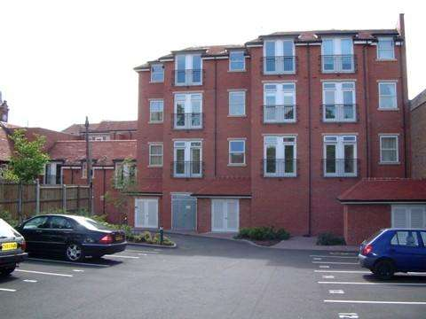 2 Bedrooms Apartment Flat for rent in Parkgate, 158, Alcester Road, Moseley, Birmingham B13