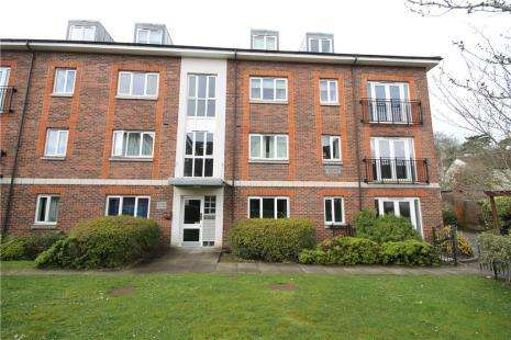 2 Bedrooms Flat for sale in Bakers Court, 95 Brighton Road