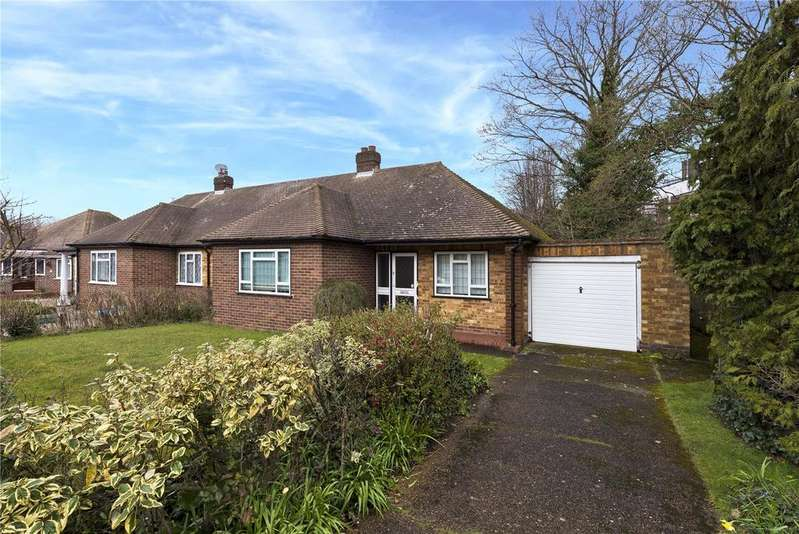 2 Bedrooms Semi Detached Bungalow for sale in Fortescue Road, Weybridge, KT13