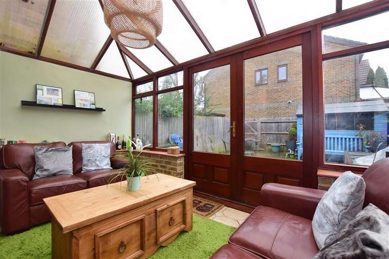 2 Bedrooms Terraced House for sale in Lake View, North Holmwood, Dorking, Surrey