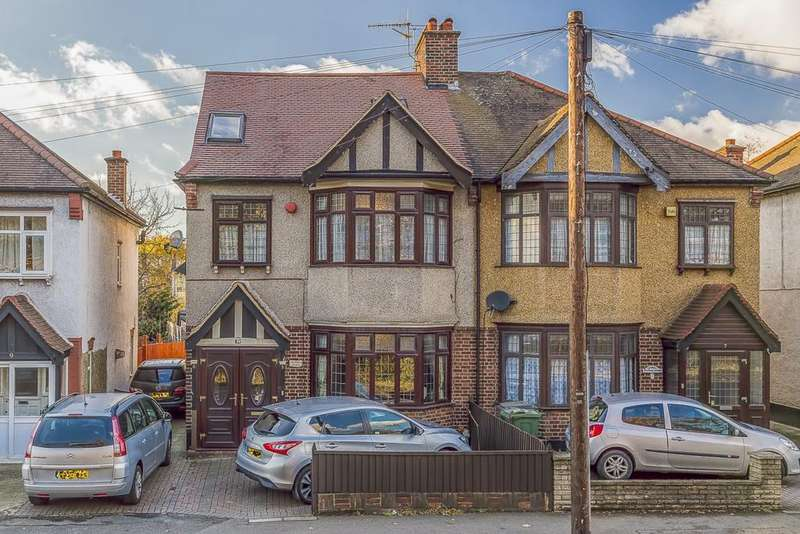4 Bedrooms House for sale in Woodland Gardens, Walthamstow, E17