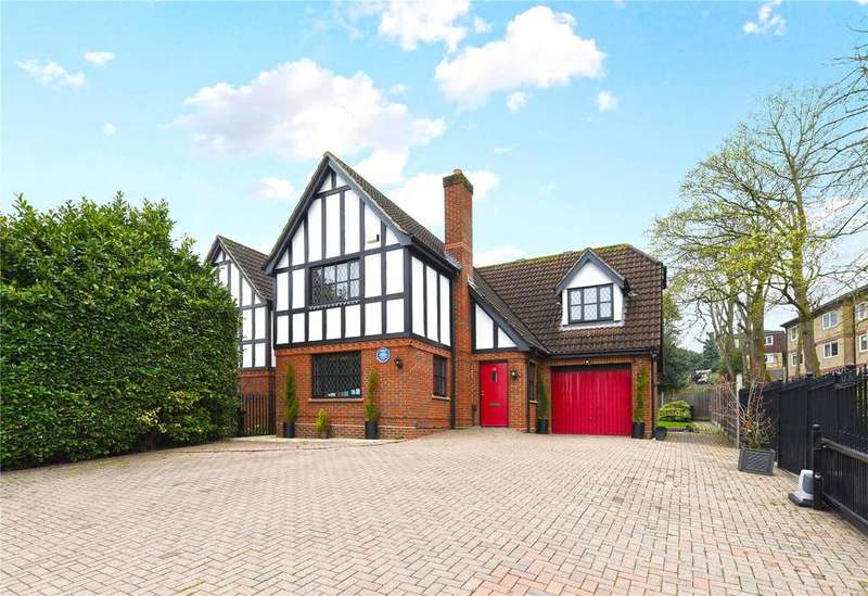 4 Bedrooms Detached House for sale in High Road, Loughton, Essex, IG10