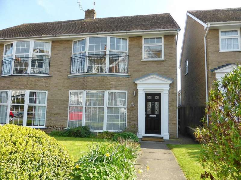 3 Bedrooms Semi Detached House for sale in Vicarage Road, Eastbourne, BN20