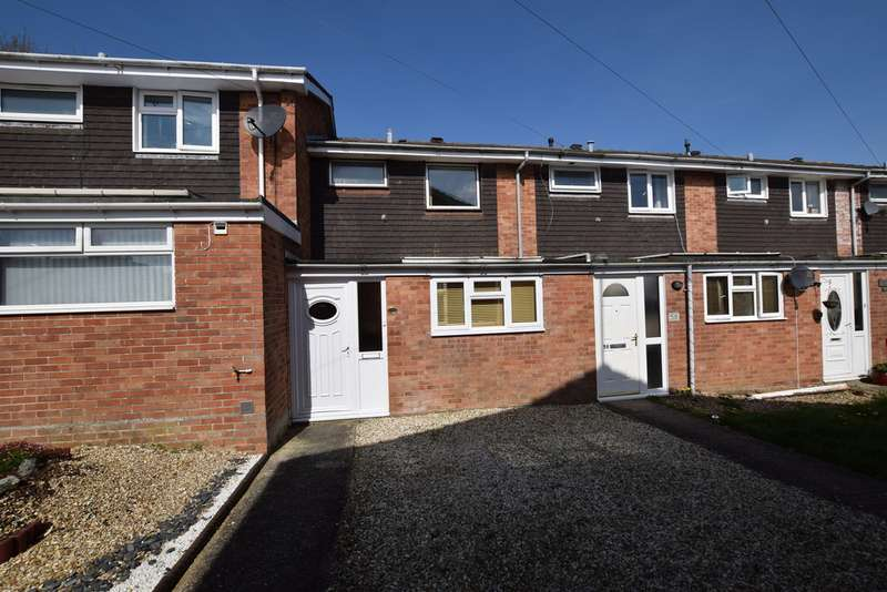 3 Bedrooms Terraced House for sale in Sandringham Road, Yeovil BA21